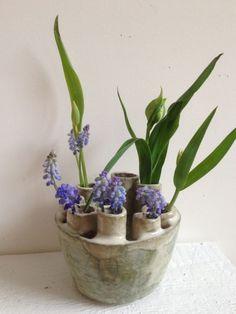 Cecile Daladier oh ceramics III Pottery Sculpture, Pottery Vase, Ceramic Pottery, Tulips In Vase, Bud Vases, Ceramic Decor, Ceramic Clay, Cerámica Ideas, Slab Ceramics