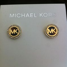 Welcome to our fashion Michael Kors outlet online store, we provide the latest styles Michael Kors handhags and fashion design Michael Kors purses for you. High quality Michael Kors handbags will make you amazed. Michael Kors Sale, Michael Kors Fashion, Michael Kors Jewelry, Mk Handbags, Handbags Michael Kors, Cheap Mk Bags, Kate Spade Outlet, Purses For Sale, I Love Jewelry