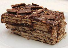 Torta russa original com nozes PASSO A PASSO - pavê de biscoito e chocolate #tortarussa #sobremesagelada #pavêalemão #receitadesobremesafácil #receitadesobremesasimples #receitadesobremesageladas #pavêdechocolate #pavêdechocolatecremoso Brownie Cupcakes, Cake Cookies, Bolo Russo, Chocolates, Blondie Cake, Cake Gallery, Baking Recipes, Delicious Desserts, Deserts