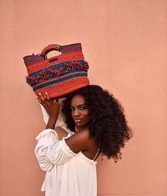We are LOVING @asiyami_gold with our Gore Tote bag & such kind words ! ! Happy Tuesday. This year though. Magic before and after Easter ! #LoveGhana #LoveAAKS #handcrafted ✔️