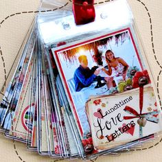 Proper link for mini album using badge holders. Lots of cute scrapbooking inspiration on this site.