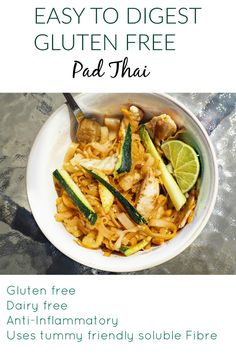 This gluten free pad Thai is a perfect lunch option! It's also much easier to digest than traditional pad Thai as it uses less oil and less insoluble fibre. This is a tummy friendly gluten free and anti inflammatory recipe! - May 04 2019 at Gluten Free Cooking, Dairy Free Recipes, Paleo Recipes, Cooking Recipes, Recipes For Ibs, Entree Recipes, Recipes Dinner, Pad Thai Receta, Easy Thai Recipes