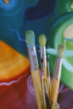 👍 Если вы начинаете заниматься рисованием или дизайном, стоит ознакомиться с основными принципами смешивания цветов.