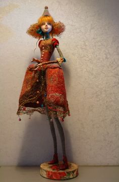 """Holiday "" mixed technique livingdoll , movable handles on the Busen connections , felt on silk , height 62 cm Ira Deineko Bjd Dolls, Doll Toys, Joker, Polymer Clay Dolls, Paperclay, Doll Maker, Artist Art, Sculpture Art, Folk Art"