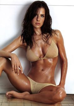Hot kelly monaco