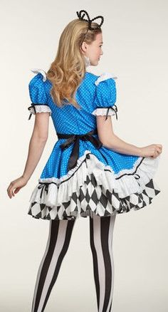 Etsy の Alice In Wonderland Costume by HomemadeCraftStudio