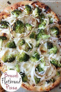 This Broccoli Flatbread Pizza is loaded with broccoli, onions, cheese, and lots of garlic. A super easy and quick weeknight meal that is sure to. Naan Pizza, Nan Bread Pizza, Flatbread Pizza Recipes, Pizza Pizza, Healthy College Meals, Broccoli Pizza, Tuna Salad Pasta, Quick Weeknight Meals, Easy Meals