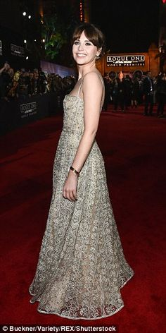 Showstopper! The 33-year-old actress made sure to turn headsas she hit the red carpet in ...