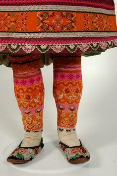 gorgeous leggings <3 folkthings:    Estonian women's costume, Muhu Island