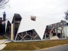 Toyo Ito: Sumika Pavilion - Experimentelle Wohneinheiten in Tokio