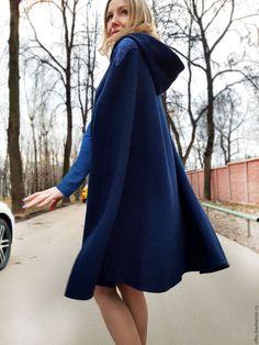 Верхняя одежда ручной работы. Ярмарка Мастеров - ручная работа. Купить Кейп из буклированной шерсти. Handmade. Тёмно-синий, пальто