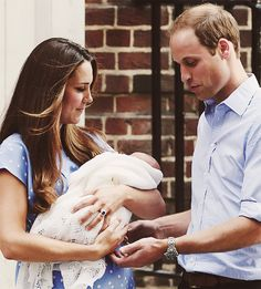 63fcea5a7fe76c ... of Cambridge appear with their baby son, as they stand outside the  Lindo Wing of St Mary s Hospital, in central London July REUTERS-Stefan  Wermuth