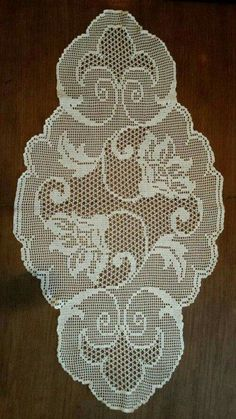 This Pin was discovered by Hac Diy Crafts Crochet, Crochet Art, Crochet Home, Thread Crochet, Lace Knitting, Crochet Dollies, Crochet Doily Patterns, Crochet Designs, Knitting Patterns