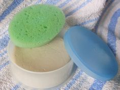 Il Bio-mex è un prodotto della Wimex completamente naturale a base di sapone e argilla bianca, venduto nei negozi specializzati e nelle e...