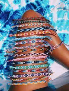 Summer Bracelets, Bracelets For Men, Ankle Bracelets, Thread Bracelets, Beaded Bracelets, String Bracelets, Braclets Diy, Embroidery Bracelets, Tassel Necklace