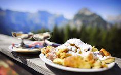 A császármorzsa – Schmarrn neve után kaisersmarni – az osztrák és bajor konyha egyik olcsó, gyorsan elkészíthető fogása volt, mégis császári desszertként lett ismert, mivel ez az édessé…