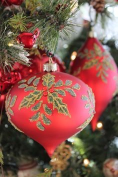 🎄Buon Natale e Felice Anno Nuovo🎄Merry Christmas and Happy New Year🎄 Christmas Post, Very Merry Christmas, Green Christmas, Christmas Colors, All Things Christmas, Christmas Holidays, Holly Christmas, Nutcracker Christmas, Elegant Christmas