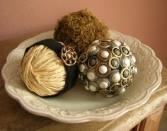 decorative spheres Decorative Spheres, Diy Shows, Vase Fillers, Creative Ideas, Diy Ideas, Craft Ideas, Toy Boxes, Decorative Accessories, Make Your Own