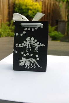 No bones about it stampset meets giftbag punchboard. Leonibg.blogspot.com