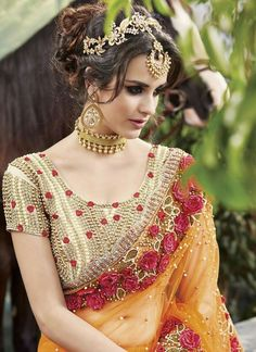 Buy online latest saree, finest collection of designer saree. Buy this net designer saree for bridal and wedding. Sari Design, Saree Blouse Patterns, Saree Blouse Designs, Lehenga Choli, Anarkali, Net Saree, Netted Blouse Designs, Saree Sale, Bollywood