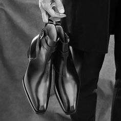"style-in-vision: "" bespoke-makers: "" Gaziano & Girling for Ermenegildo Zegna Bespoke Couture @zegnaofficial Desgined by Alessandro Sartori @alessandrosartoriofficial @gazianogirling @gazianogirlinghk @tonygaziano #bespokemakers #gazianogirling..."