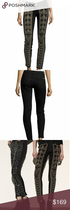 """7 for all mankind with stud ankle skinny jeans. Super rock! 7 for all mankind with stud ankle skinny jeans.Size 32 waistlane.Inseam 27"""" Rise 10"""" Mid rise.Black color with gold stud.Make me n offer. 7 For All Mankind Jeans Ankle & Cropped"""