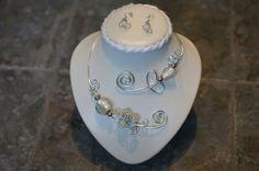 Métal fil ouvert collier collier blanc  par LesBijouxLibellule, $25.00