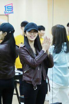 Kim So Hyun Fashion, Korean Fashion, Kim Sohyun, Yoo Seung Ho, Korean Actresses, Kpop Girls, Korean Girl, Feminine, Celebrities