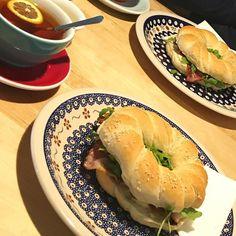 pierwsze śniadanie z Mężem  i #bajgiel listopada w #kafej w #katowice gorąco polecam  #brekfast