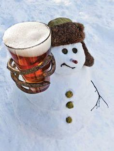 snowman craft beer funny - How awesome would this be! I Love Winter, Winter Fun, Winter Snow, Build A Snowman, Snowman Crafts, Snow Sculptures, Snow Art, Fru Fru, Frosty The Snowmen