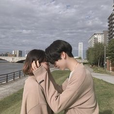 Shared by ☆. Find images and videos about cute, korean and ulzzang on We Heart It - the app to get lost in what you love. Korean Aesthetic, Couple Aesthetic, Ulzzang Couple, Ulzzang Girl, Senior Photography, Couple Photography, Cute Couple Pictures, Couple Photos, Couple Goals Cuddling