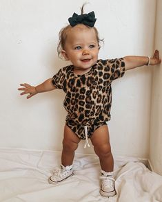 Cute Little Baby, Cute Baby Girl, Cute Babies, Cute Baby Pictures, Baby Photos, Baby Girl Fashion, Kids Fashion, Toddler Outfits, Kids Outfits