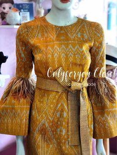 Blouse Batik, Batik Dress, Choli Blouse Design, Blouse Designs, Gala Dresses, Short Dresses, Mode Batik, Batik Fashion, Thai Dress