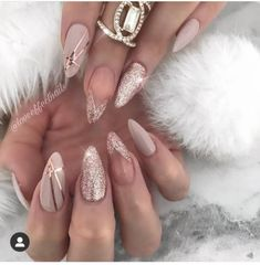 40 Classy Nude Nails Design Ideas - The Glossychic Nude Nails, White Nails, Glitter Nails, My Nails, Feast Of Love, Classy Nail Designs, Nail Brushes, Classy Nails, Trendy Colors