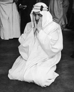 King Faisal ibn Abdul Aziz Al Saud of Saudi Arabia (1903 - 1975) prays at London Central Mosque during a state visit to the UK, 12th May 1967.