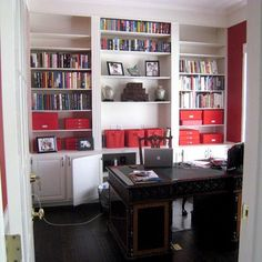 Photos: Home Libraries and Book Nooks – office organization at work business Office Organization At Work, Office Ideas, Organization Ideas, Desk Layout, Home Libraries, Built In Cabinets, Home Office Decor, Home Decor, Book Nooks