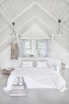 Check Out 39 Dreamy Attic Bedroom Design Ideas. An attic bedroom is usually associated with romance because it's great to get the necessary privacy. Attic Bedroom Designs, Bedroom Loft, Bedroom Decor, Bedroom Furniture, Wall Decor, Master Bedrooms, Attic Design, Design Bedroom, Small Attic Bedrooms