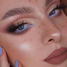 Edgy Makeup, Eye Makeup Art, Skin Makeup, Eyeshadow Makeup, Makeup Inspo, Makeup Inspiration, Matte Eyeshadow, Eyeshadow Palette, Blue Makeup Looks