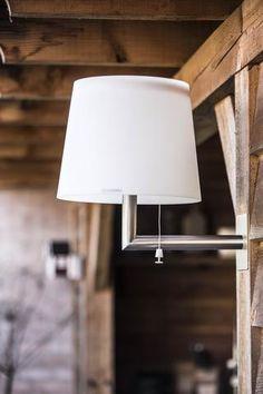 Gacoli wandlamp Monroe no.4. Deze stijlvolle tuinlamp werkt door middel van zonnepanelen op LED-verlichting.