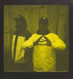 "NEKFEU: "" #DestinsLiés qui n'a pas encore precommandé l'album ??  #17Juin #SeineZooRecords ( pola  @ojoz ) "" #NEKFEU #FEU"