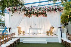 Wedding at the Sociedade Hipica Brasileira in Rio de Janeiro. Planner Roberto Cohen. Decor and design Anna Carolina Werneck. Ceremony decor ideas. Wedding Chuppah ideas
