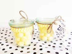 Bedankje juf! Wekpotje met napoleonballen:een potje zon voor de liefste juf!