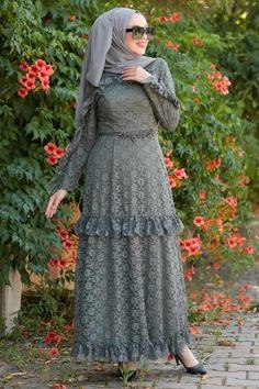 Neva Style - Boncuk Detaylı Haki Tesettür Elbise Source by tesetturisland cortos Abaya Mode, Mode Hijab, Muslim Dress, Hijab Dress, Abaya Fashion, Fashion Dresses, Modest Dresses, Casual Dresses, Estilo Abaya