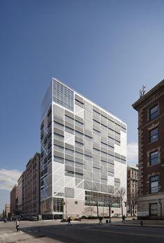Edificio Northwest Corner / Moneo Brock Studio
