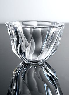 I love Orrefors crystal Glass Vessel, Glass Art, Liquor Glasses, Kosta Boda, Crystal Glassware, Scandinavian Art, Swedish Design, Vases Decor, Colored Glass
