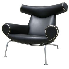 Ox Lounge Chair in black