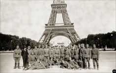 Wehrmacht-Soldaten in Paris 19. VIII 1941, Besetzung, Okkupation - occupation