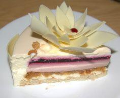 Чудесный торт!  Яркий вкус смородинового желе, хрустящий штрейзель, мягкий сливочный мусс и миндаль. На сегодняшний день самый вкусный тор...