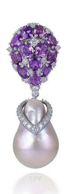 Farah Khan Amethyst and Baroque Pearl Pendant | Fashion Jewelry Modern | Rosamaria G Frangini