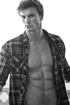 Last one of Derek Theler, I promise. But seriously, he is gorgeous.